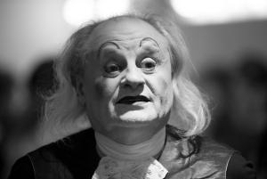 """Alejandro Guerrero """"Impronta"""" J.P. Farré dans """"le Mal Court """"d'Audiberti.Théâtre de Poche Montparnasse M.S. Stéphanie Tesson"""